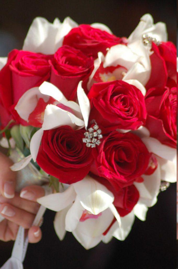 Hoa hồng là lựa chọn tuyệt vời để làm hoa cưới